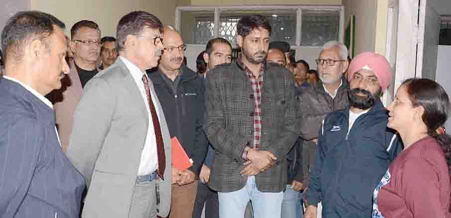 Advisor Kumar interacts with coaches, young athletes at Indoor Sports Complex