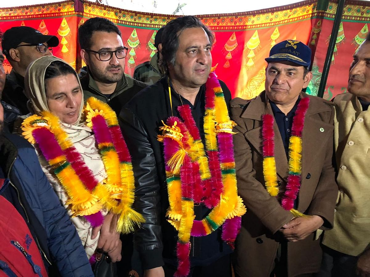 Time to move from changelessness to change: Sajad