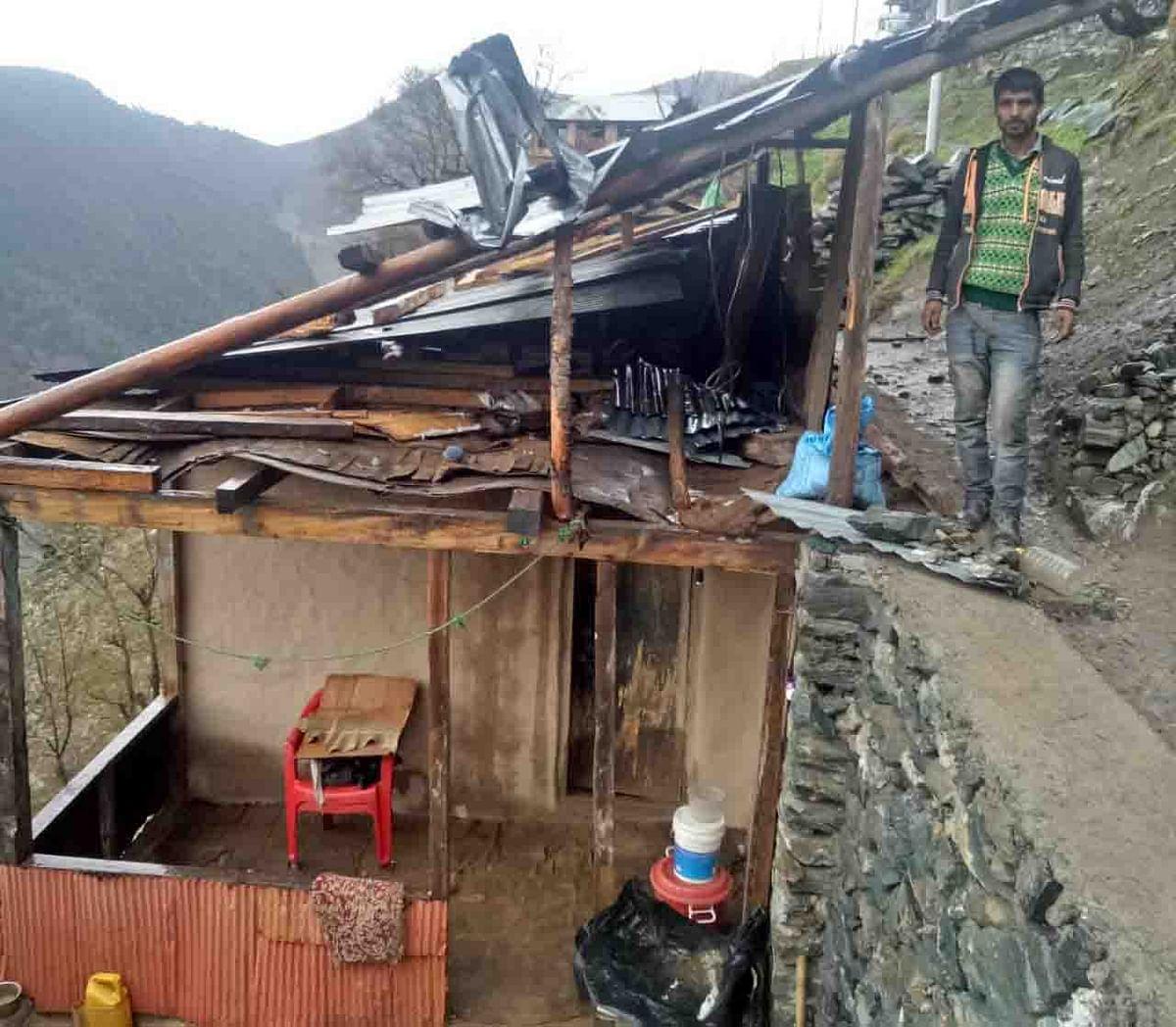 Windstorm damages houses, orchards in north Kashmir