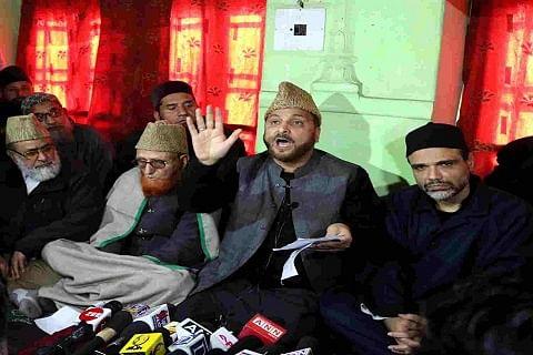 After Mirwaiz request, Ulema council withdraws Saturday's strike call