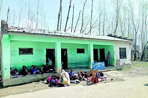 Govt school students in Tral suffer as landowner locks building