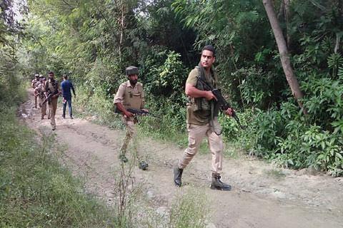 Police conducts searches in Rajouri village