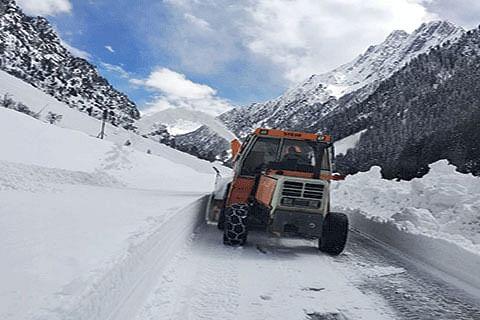 Snow cleared from Peer Ki Gali mountain pass