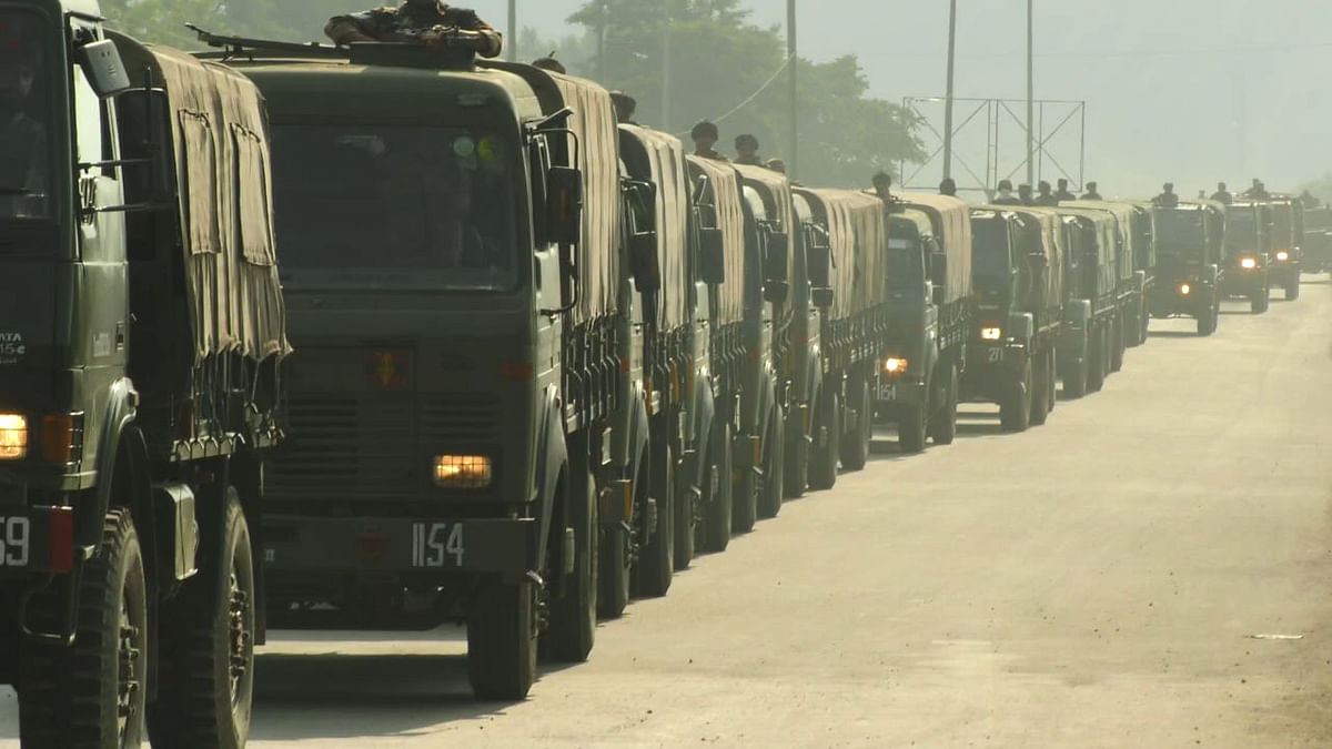 Army replaces convoys' red flags with blue
