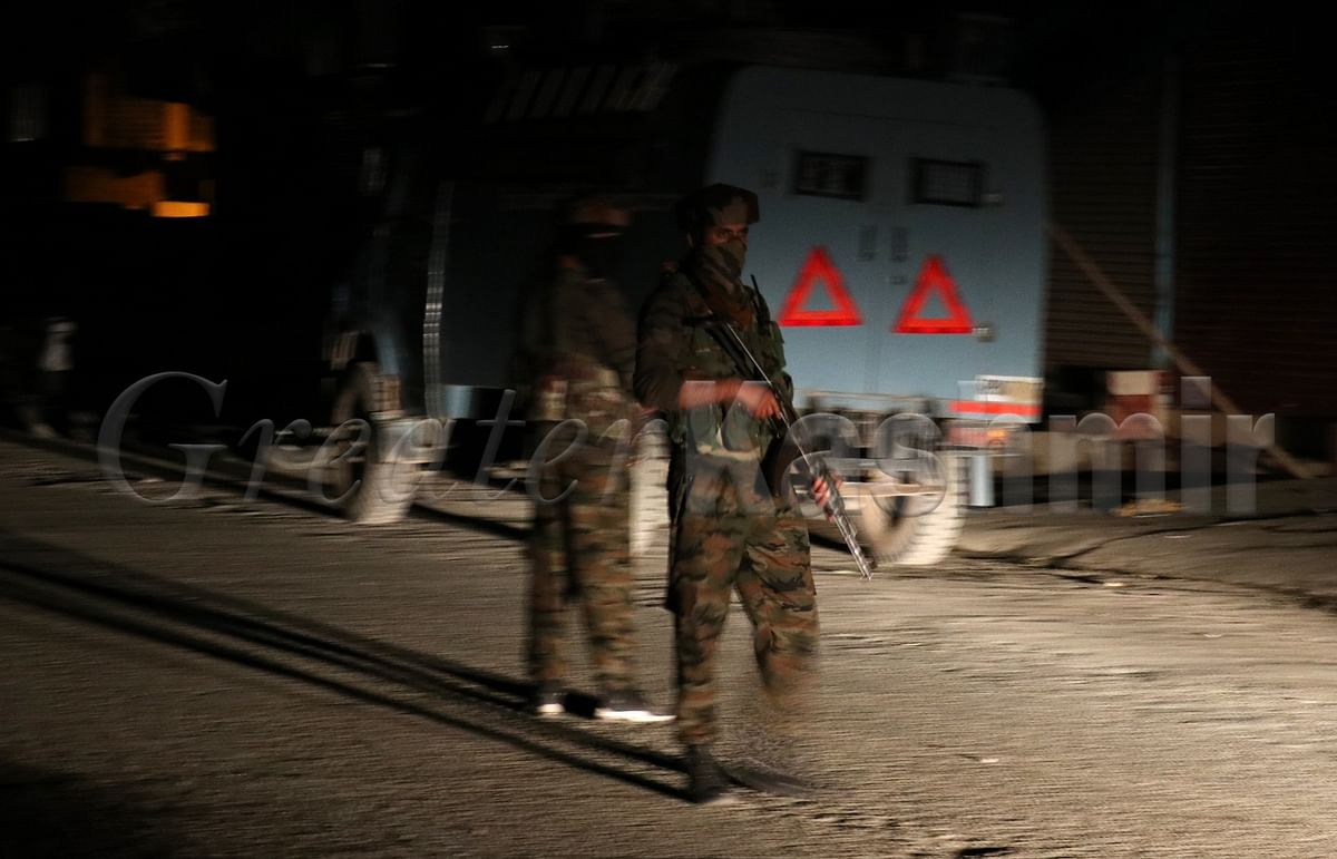 Policeman injured critically in Chanapora militant attack