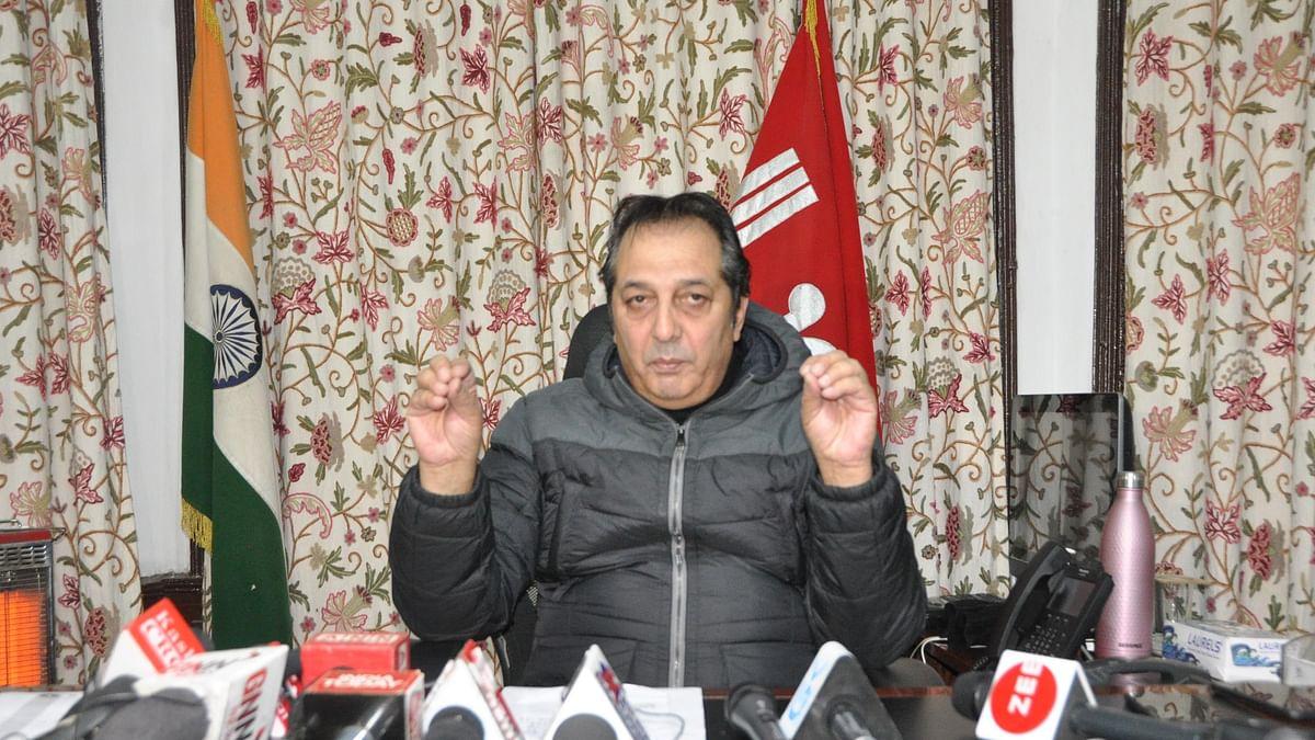 CBI raids Baseer Khan's house in Srinagar