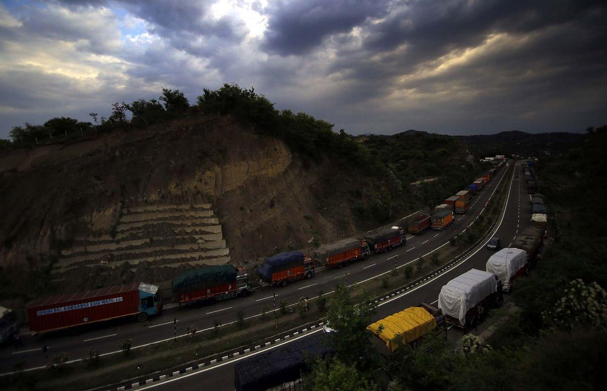 Highway restrictions: Prices of essentials skyrocket in Kashmir