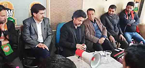 NC, PDP have befooled Kashmiris for power: Khalid Jehangir