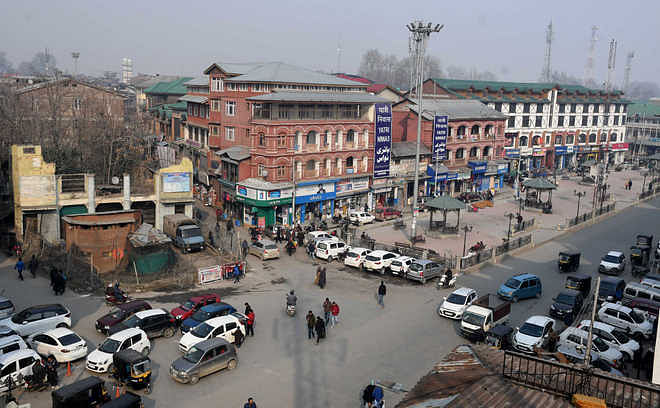 Day after shutdown, life returns to normal in Kashmir