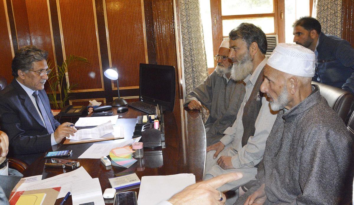 Delegations, individuals meet Advisor Ganai