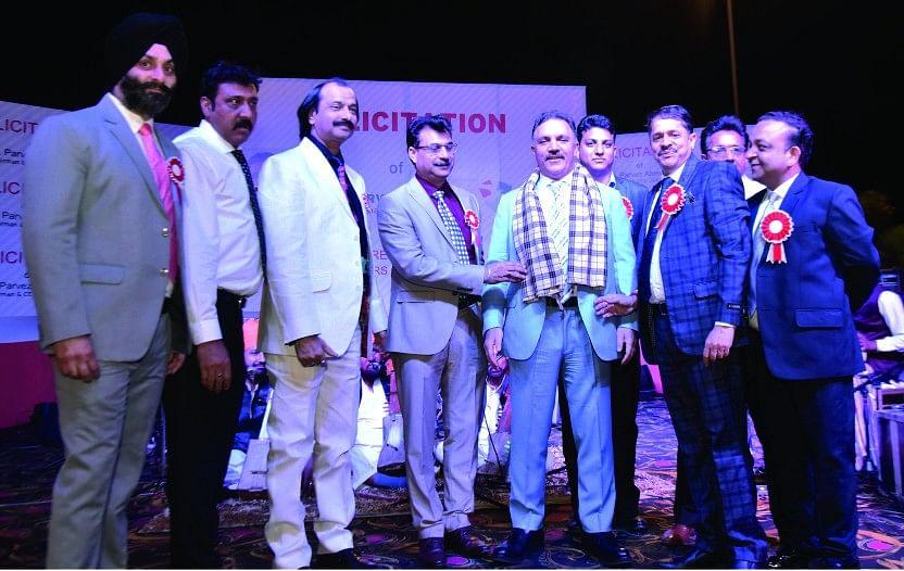 J&K Bank Jammu officers felicitate Parvez Ahmed