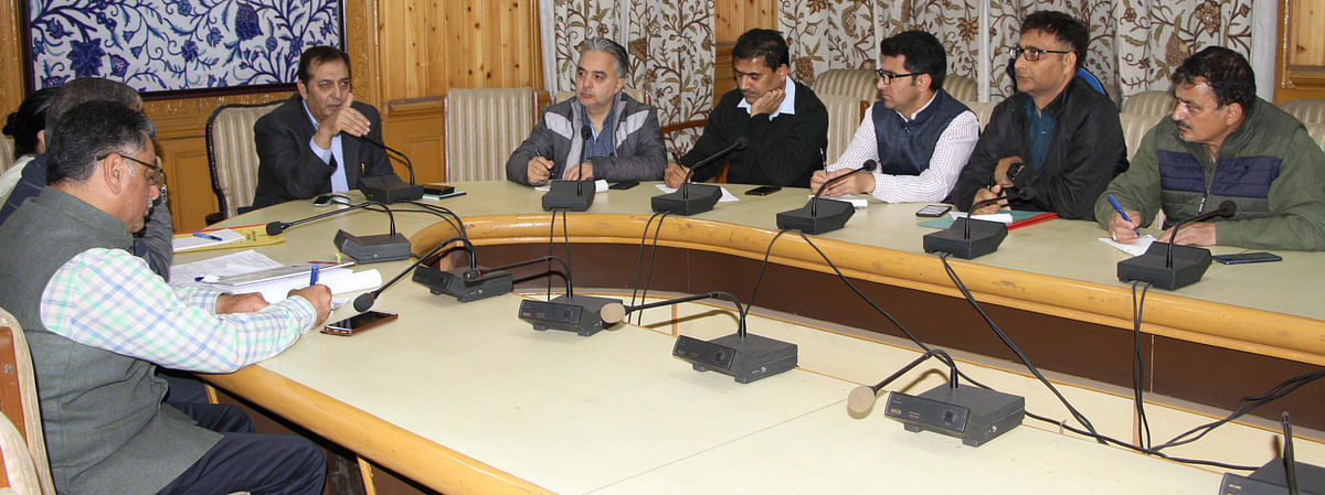 Govt orders establishing roadside amenities along Mughal Road