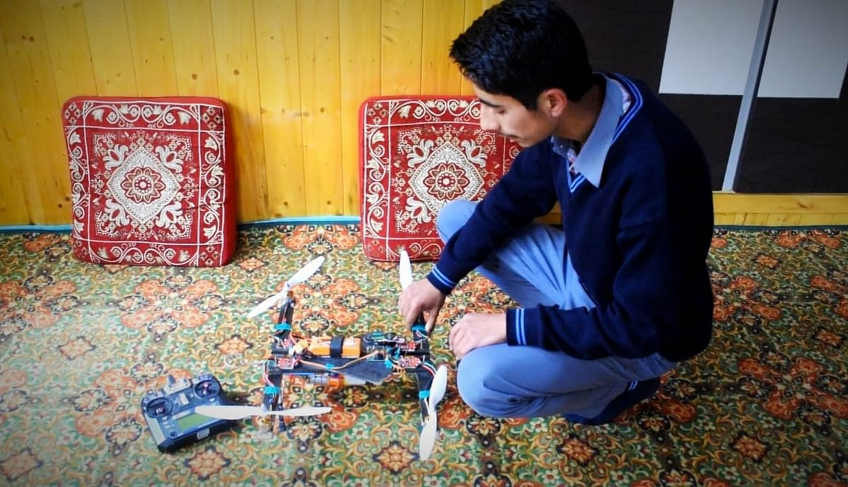 This class-9 student from Pattan designs 'agriculture drone'