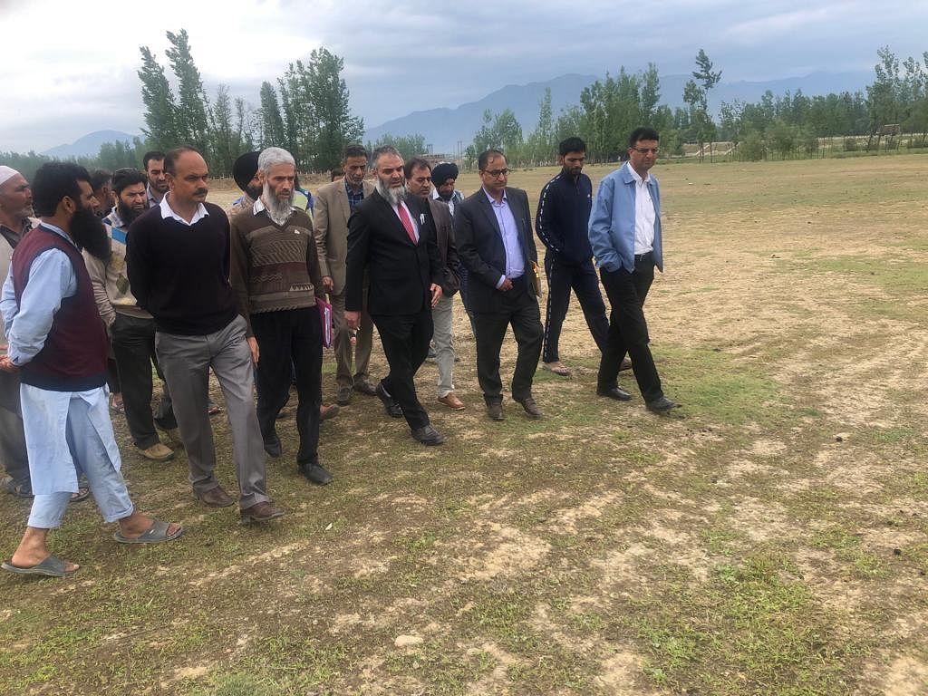 Secy Horticulture visits fruit mandis Kulgam, Jablipora