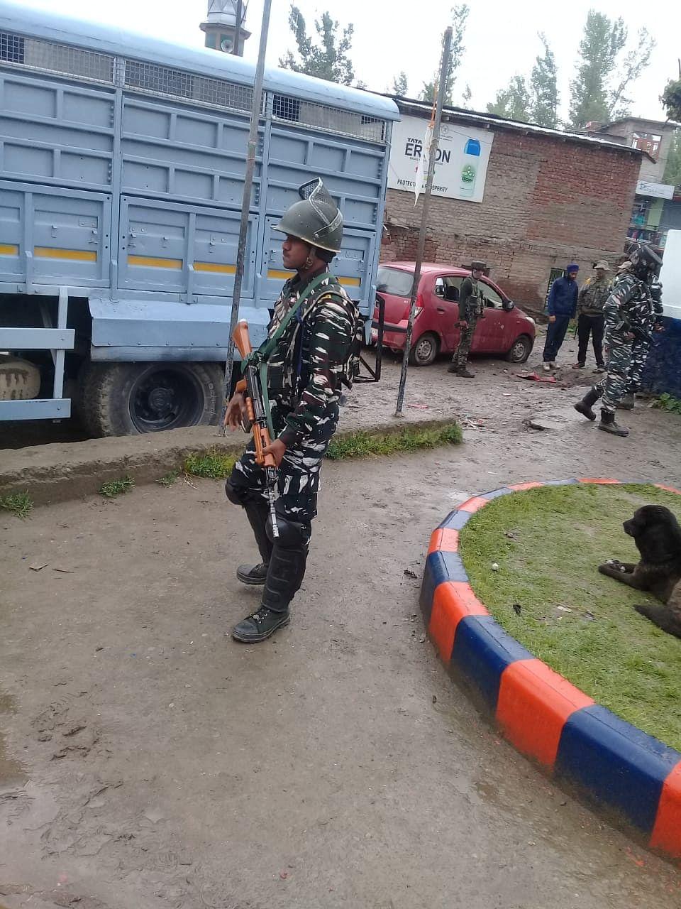 Two civilians injured in grenade attack near Awantipora police station