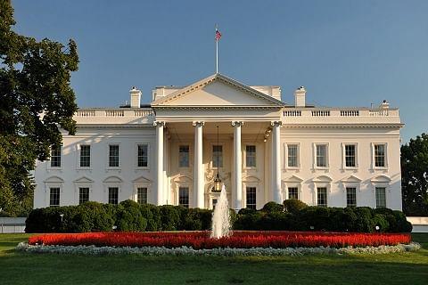 White House spokesman suspended for 'threatening reporter'