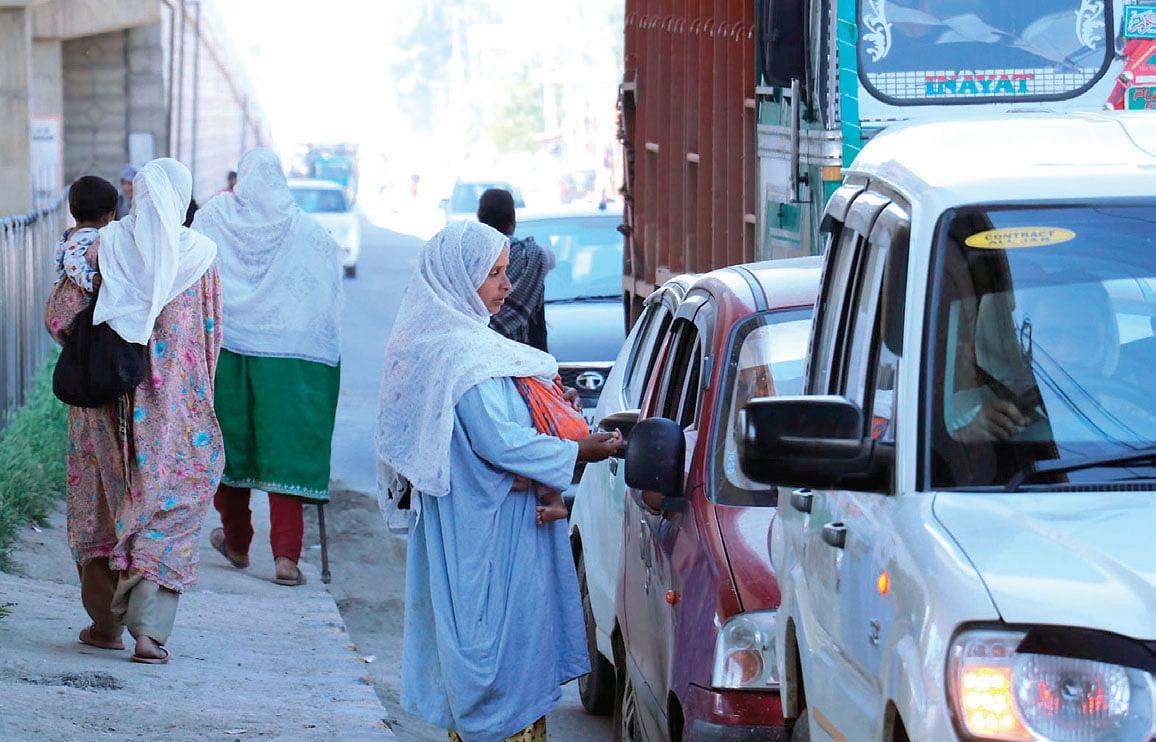Despite ban, begging a common sight at public places in Kashmir