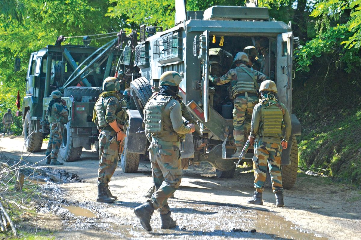 Security forces launch CASO in Kulgam, Internet snapped