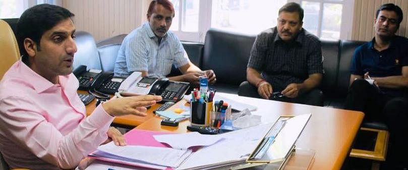 DC Rajouri reviews progress of languishing projects