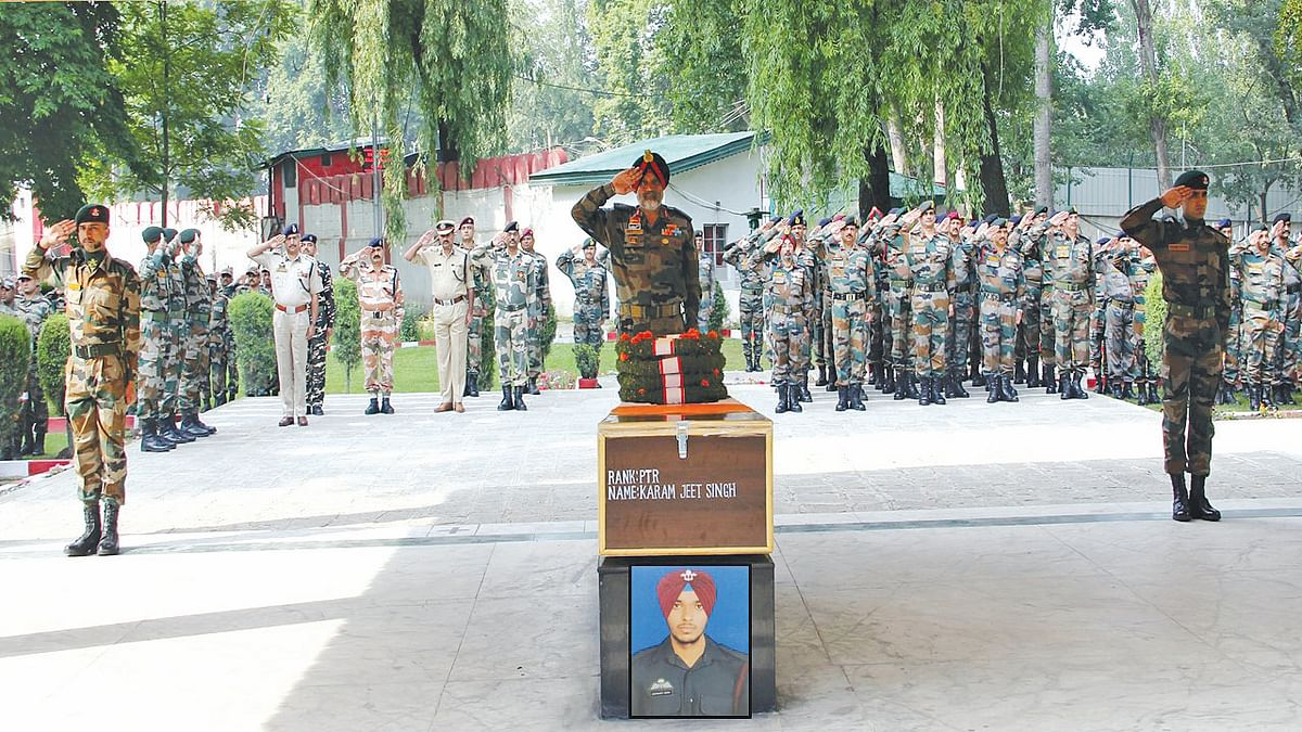 Army pay tributes to slain soldier