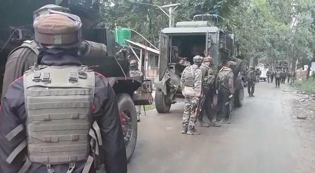 Militant killed in Verinag gunfight, Internet suspended in Anantnag district