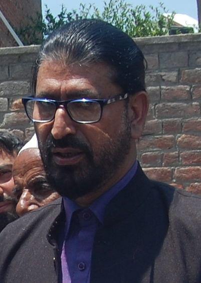 Meeting of KPs with Hurriyat in Kashmir is 'immature PR exercise': Surinder Ambardar