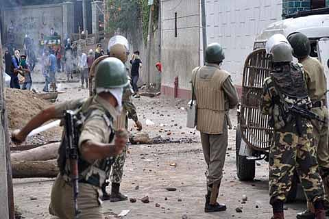 Three youth injured in clashes in south Kashmir's Tral