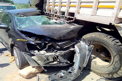 Woman dead, five others injured in Reasi road accident