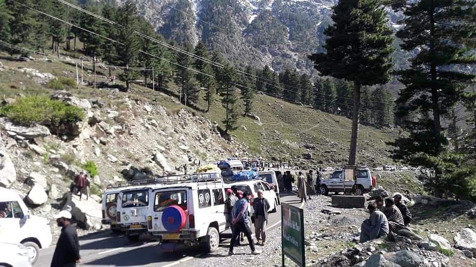 Traffic restored on Srinagar-Leh highway after overnight closure