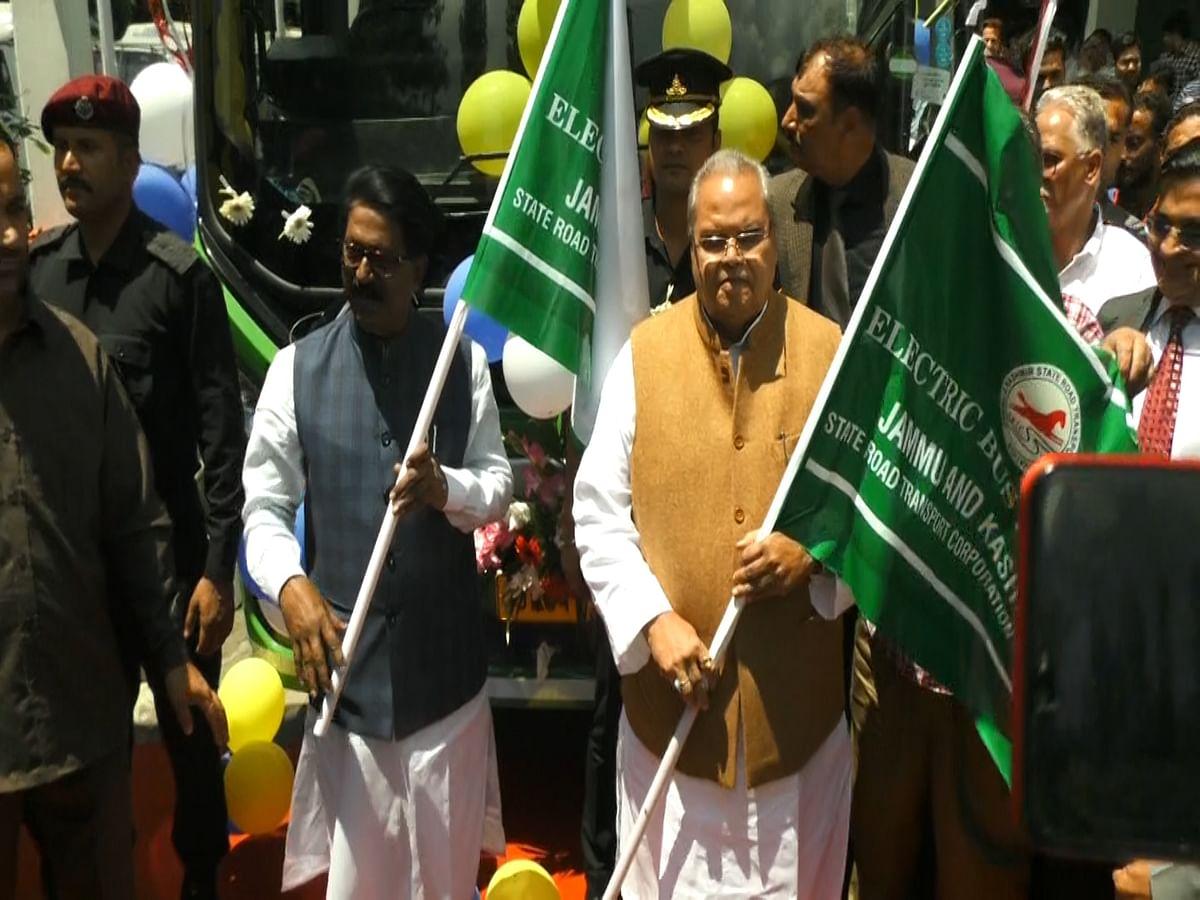 Govt formulating policy for rehabilitation of Kashmiri Pandits: Governor Malik
