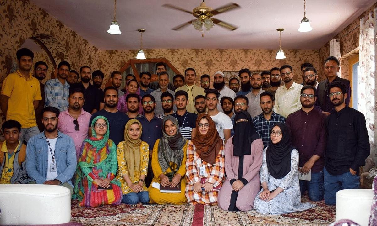 Mehboob Makhdoomi's Educational Trust holds volunteers' meet