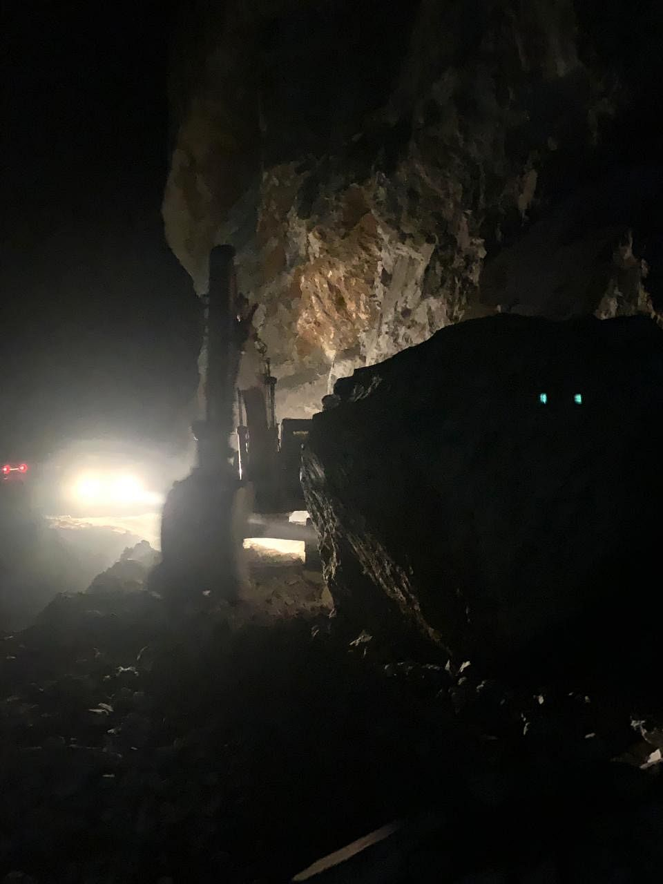 Traffic on Srinagar-Leh highway suspended due to multiple landslides