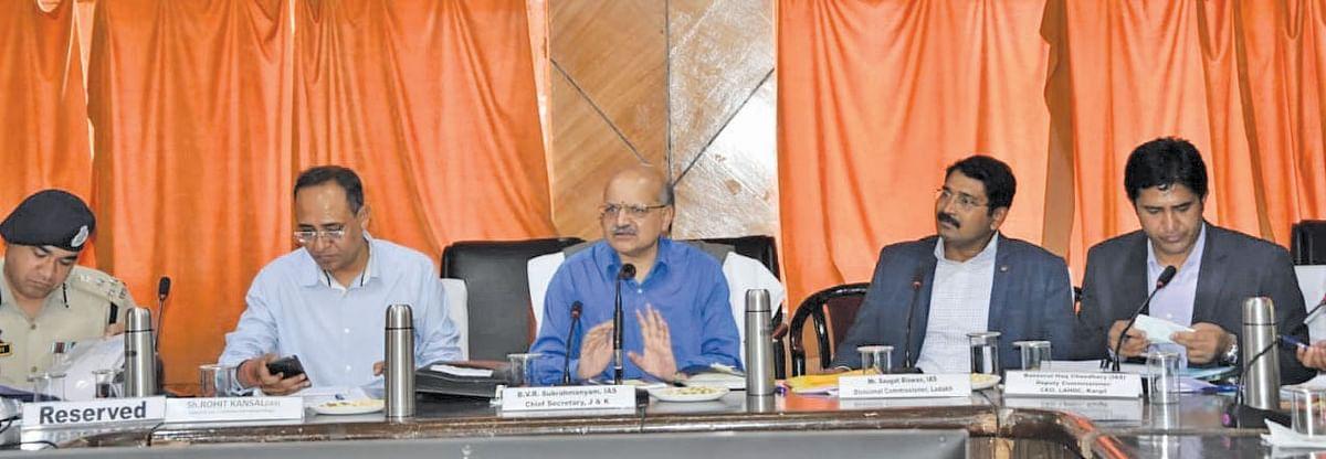 CS reviews progress of development projects in Kargil