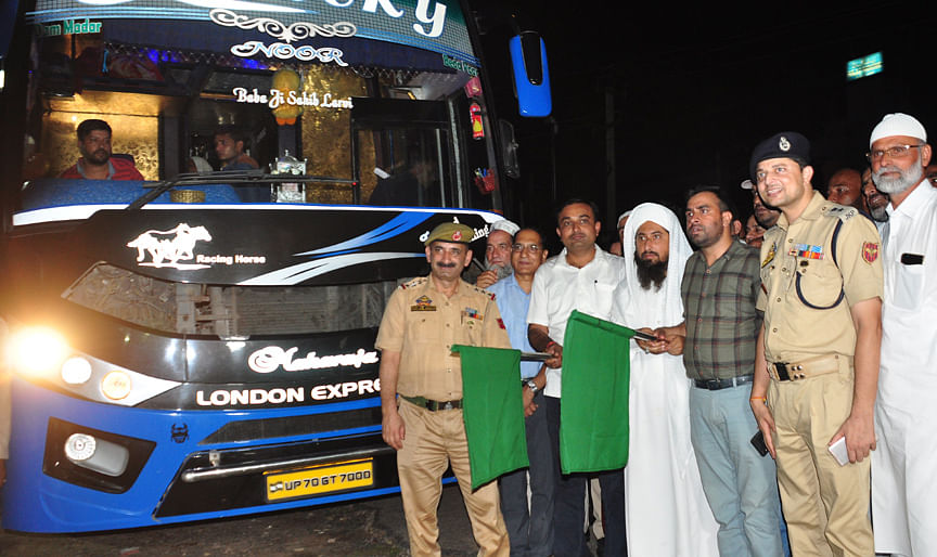 1st batch of Hajj pilgrims from Jammu flagged off