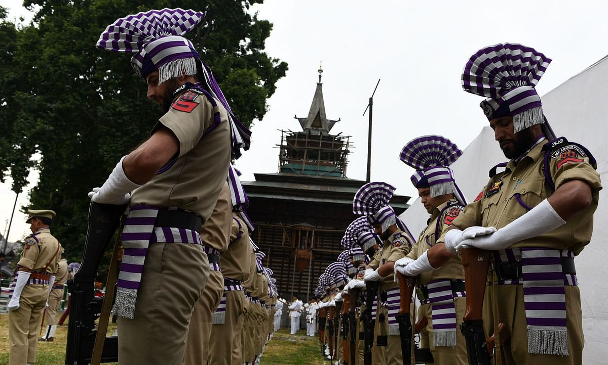 Floral tribute paid to July 13, 1931 martyrs in Srinagar