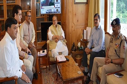 BJP delegation, KVIC Chairman, others meet Governor