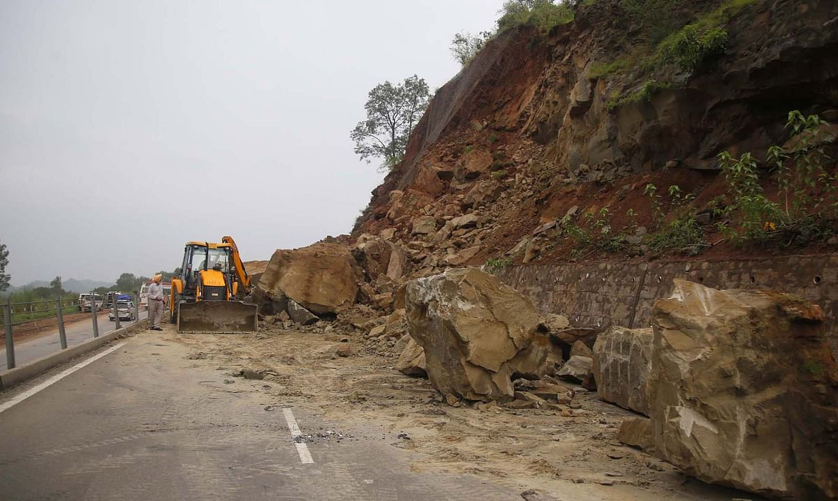 Srinagar-Jammu highway closed for maintenance today