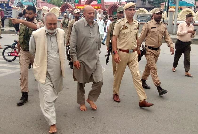 Rasheed walks barefoot to secretariat in solidarity with Karnah, Gurez residents
