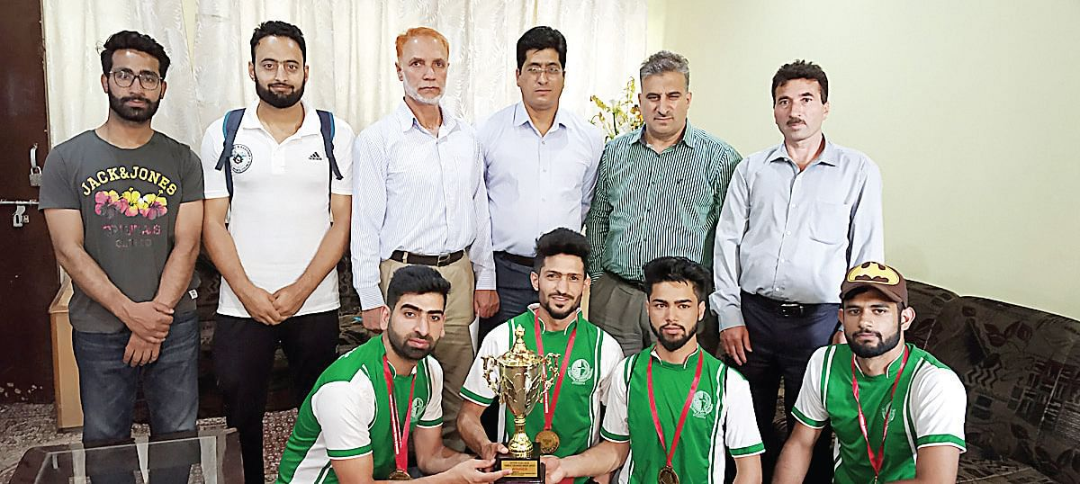 Inter-College Table Tennis Tourney   Islamia College beat GDC Leh, lifts title