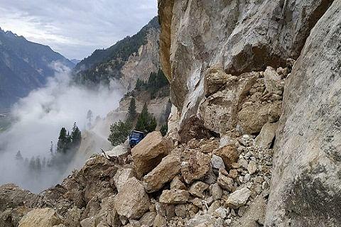 Traffic movement on Srinagar-Leh highway suspended after fresh landslides