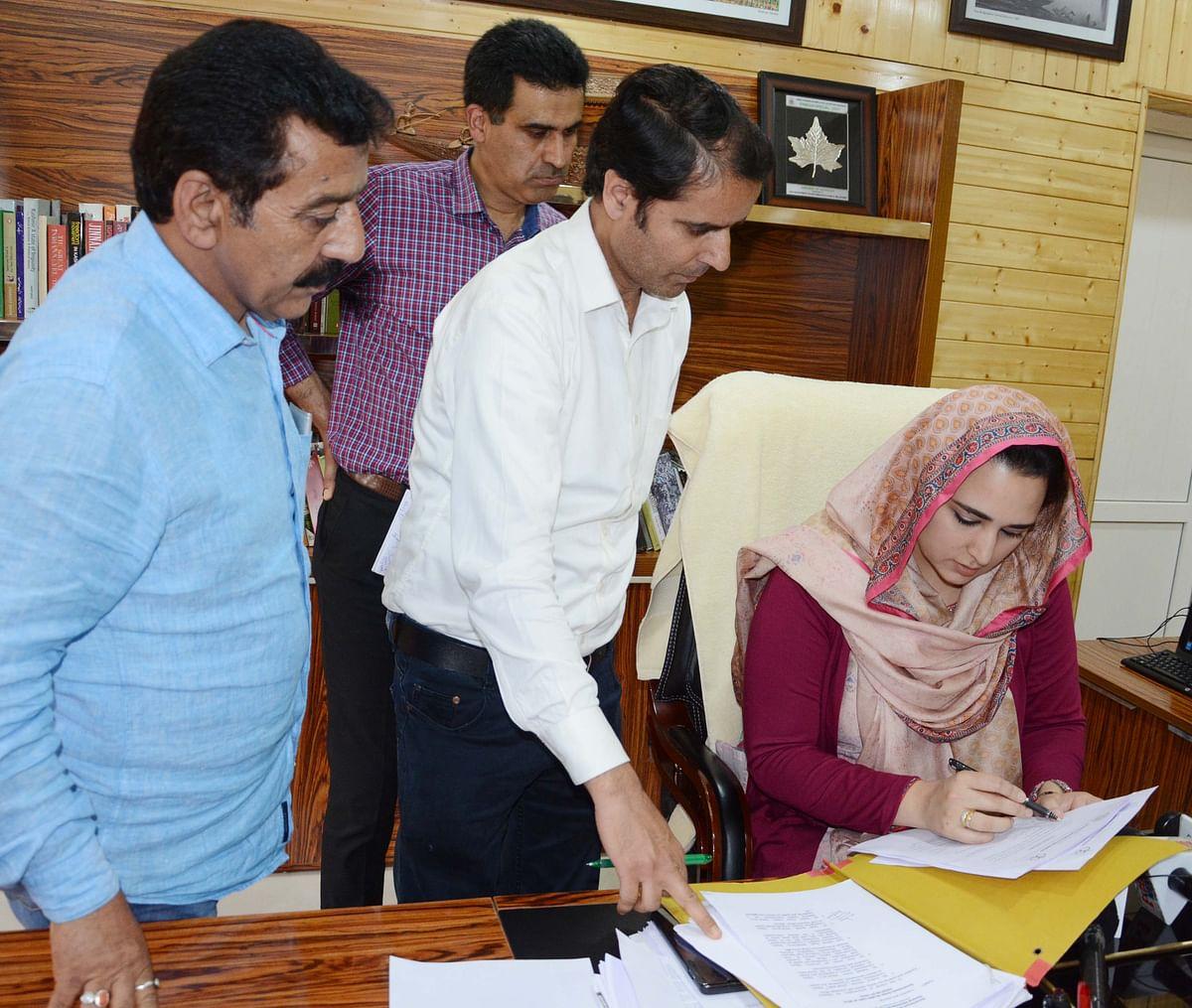 Sehrish Asgar assumes charge as Director Information