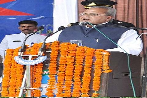 Want to see state prosper, says Governor Malik