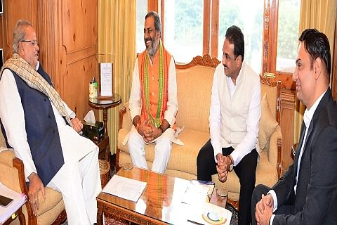 MoS UP meets Governor