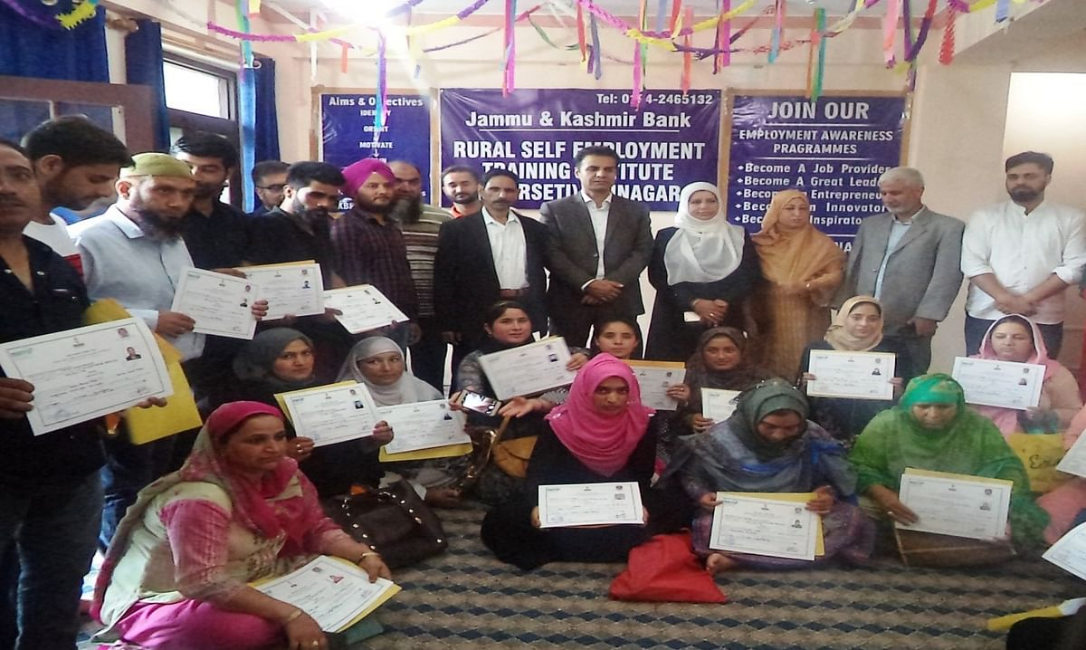 J&K Bank RSETI among PMEGP trainees