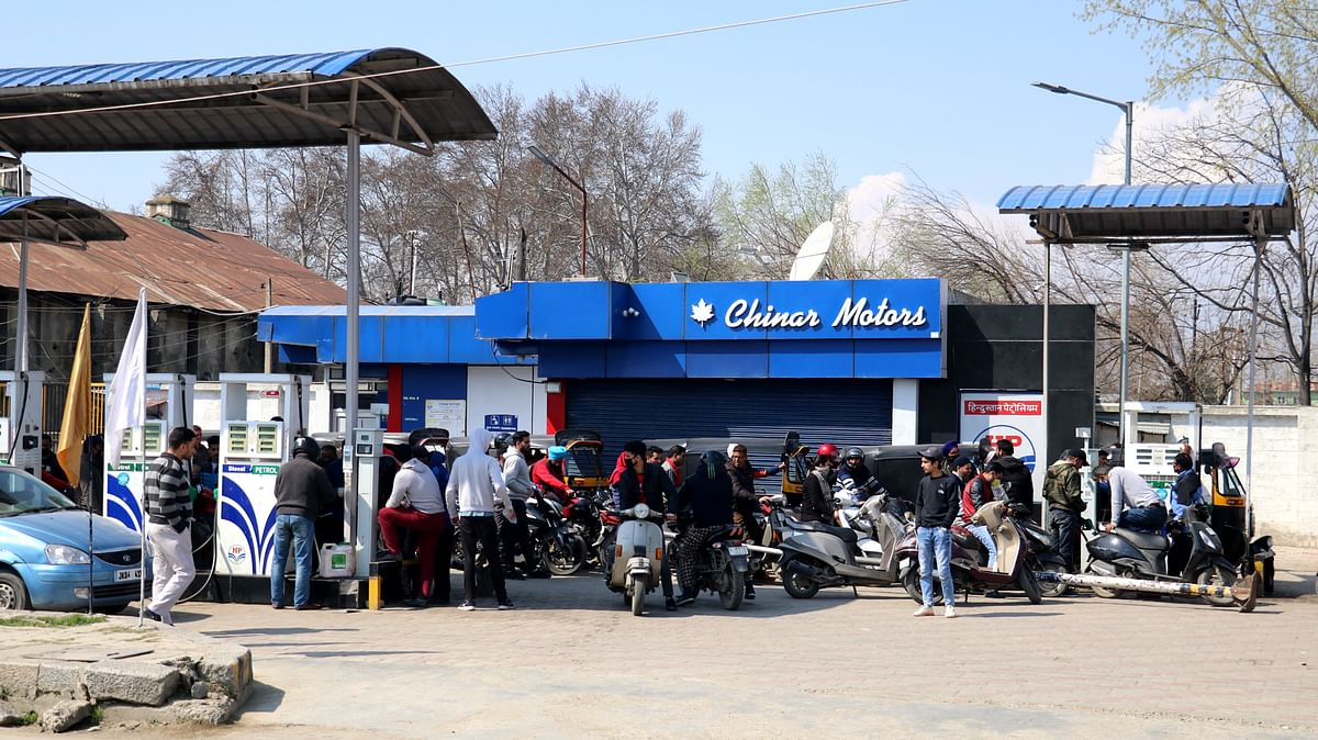Relief to vehicle owners | Petrol pumps to remain open during night in Baramulla