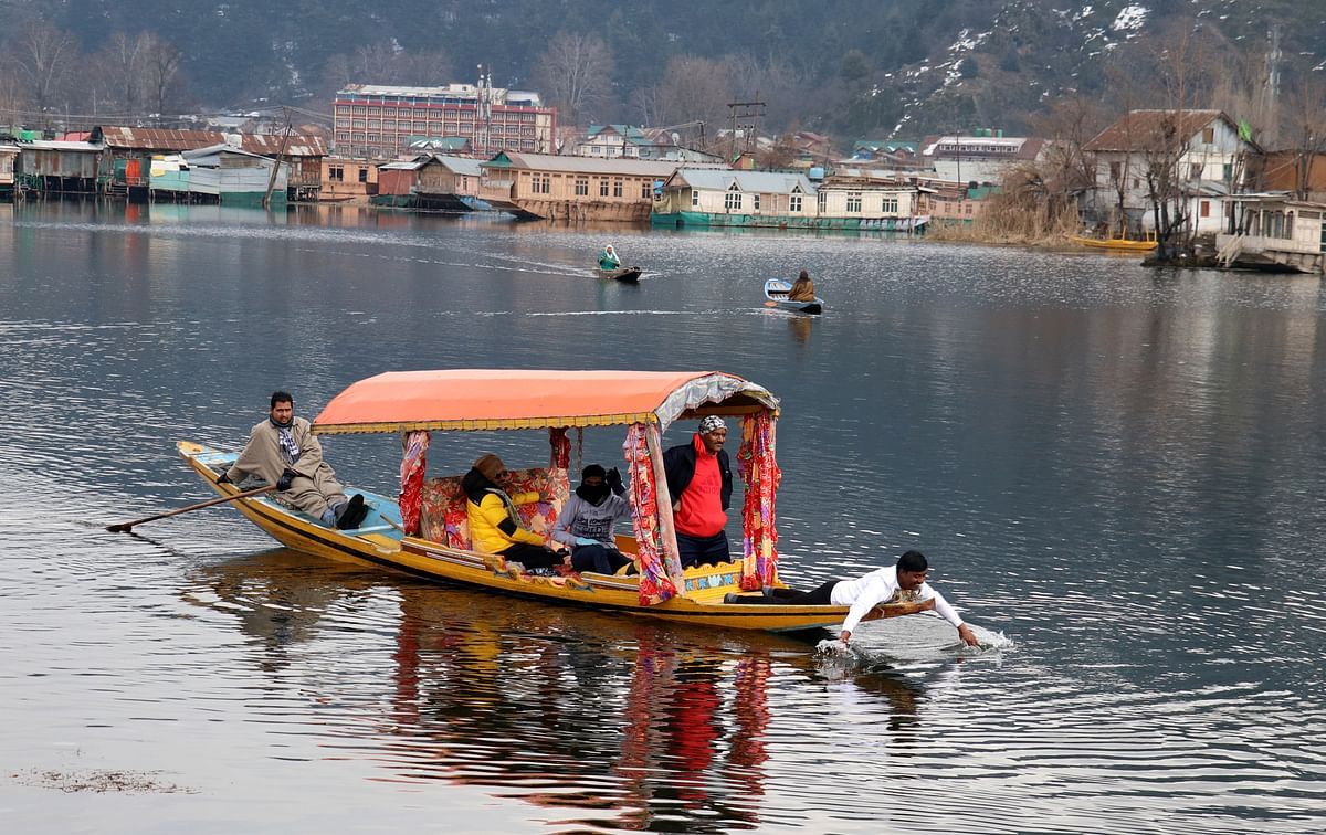 Kashmir's tourism industry hoping to turn the corner despite COVID dampener