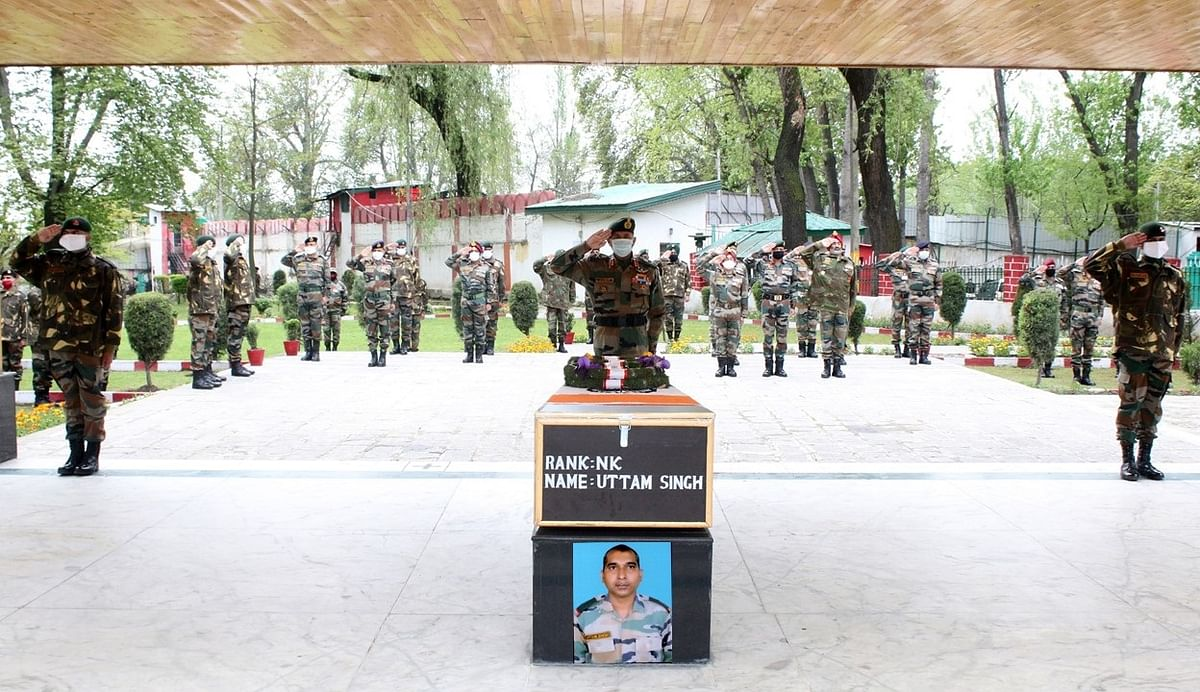 Army pays tribute to soldier who died after falling into ravine in Uri