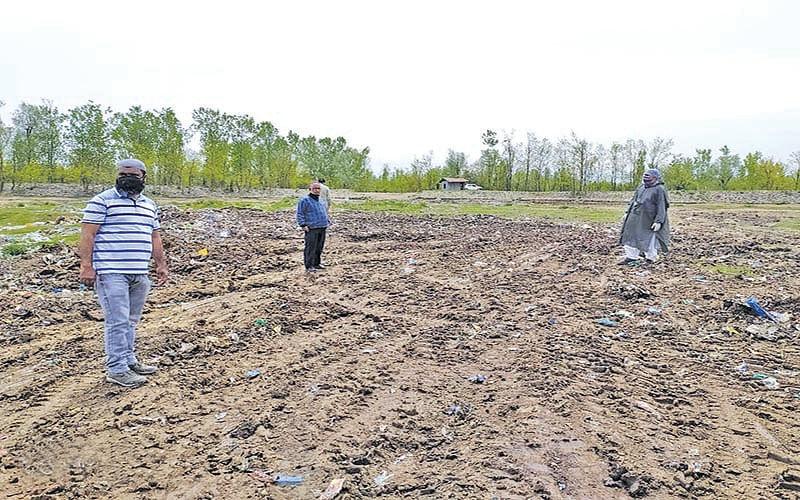 Hajin MC dumps waste in grazing field
