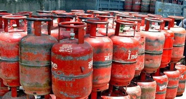 Govt allows Ujjwala beneficiaries time to avail free LPG