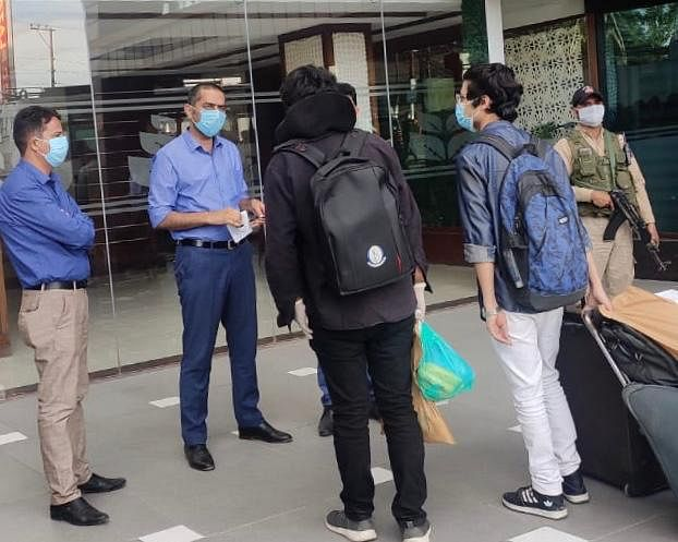 169 students evacuated from Bangladesh arrive in Srinagar